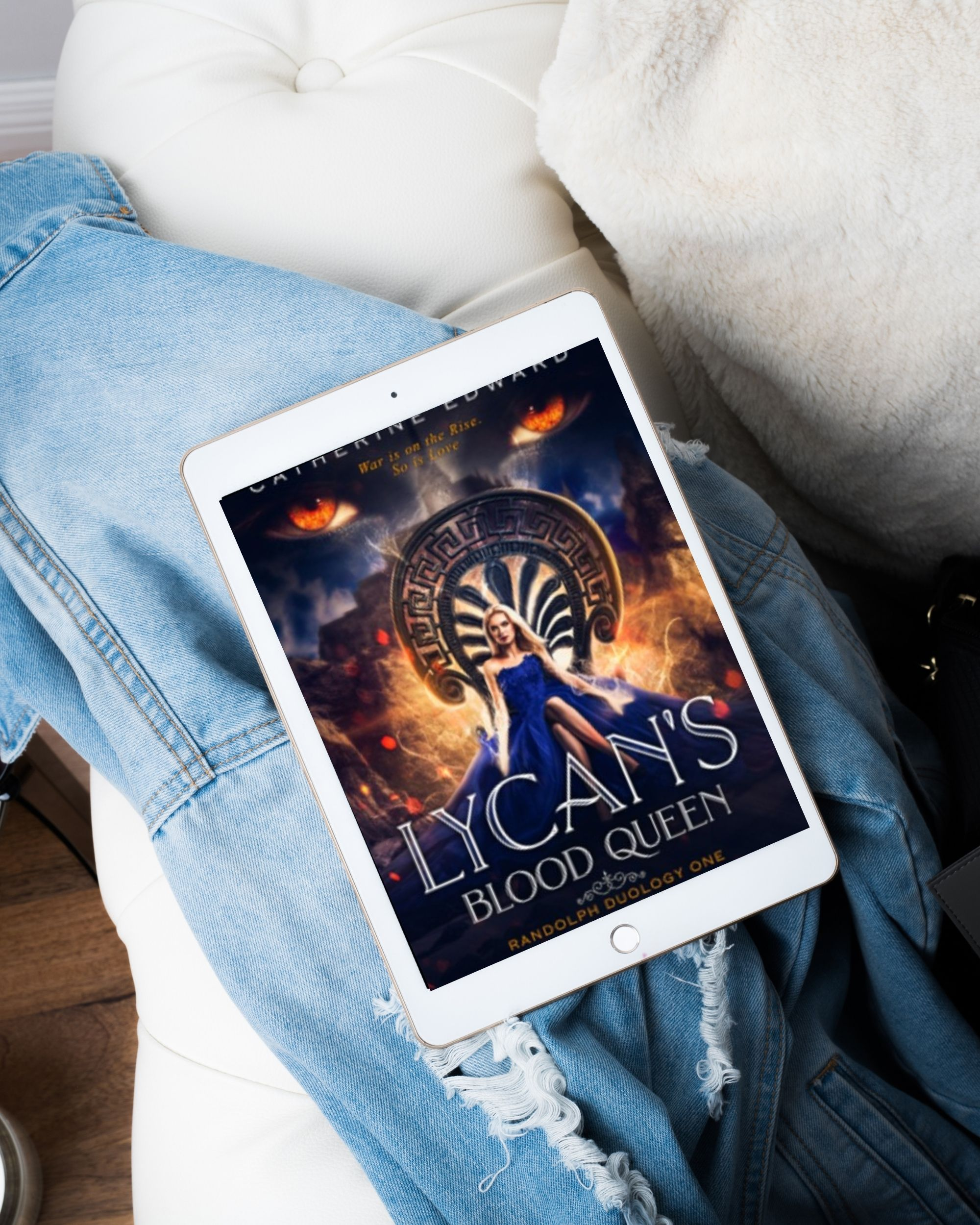 Lycan's Blood Queen by Catherine Edward | Book Review