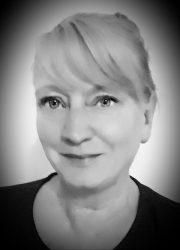 Liz Davies Author Photo
