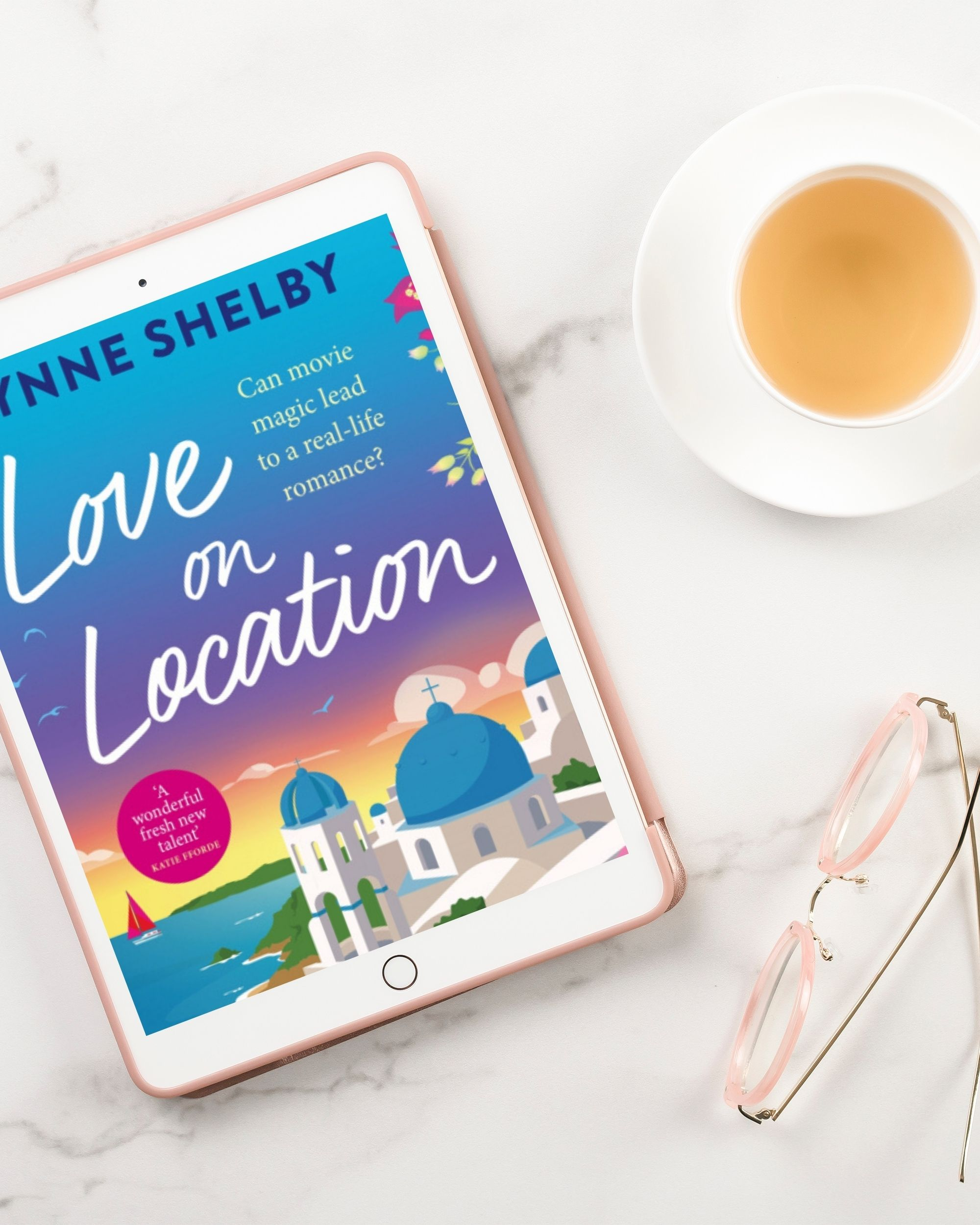 Love on Location by Lynne Shelby Review - Wickedly Romance