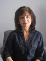 Lynne Shelby Author Photo